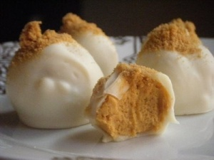 Pumpkin Cheesecake Truffles from Pinterest