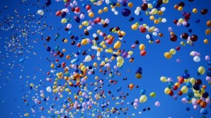 balloons_flying_multicolor_m64693